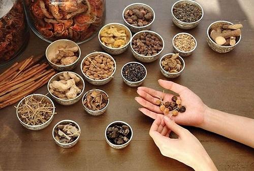 6 lợi ích khi dùng thuốc Đông y thế hệ 2 so với thuốc Đông y và thuốc Tây