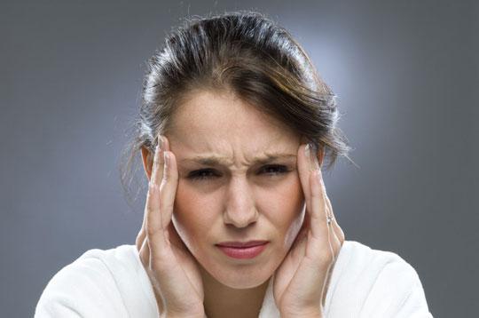 Tìm hiểu về bệnh đau đầu hàng ngày mạn tính