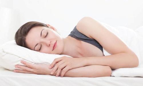 Vỏ gối, chăn và khăn tắm là những vật dụng sẽ chạm vào da của bạn mỗi ngày