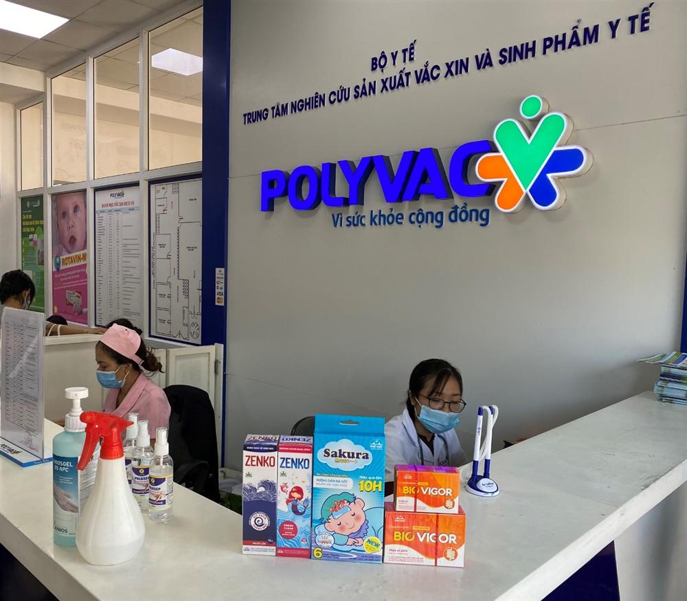 DP Nhất Nhất trao hơn 120 suất quà tại Trung tâm tiêm chủng POLYVAC và DR ECO
